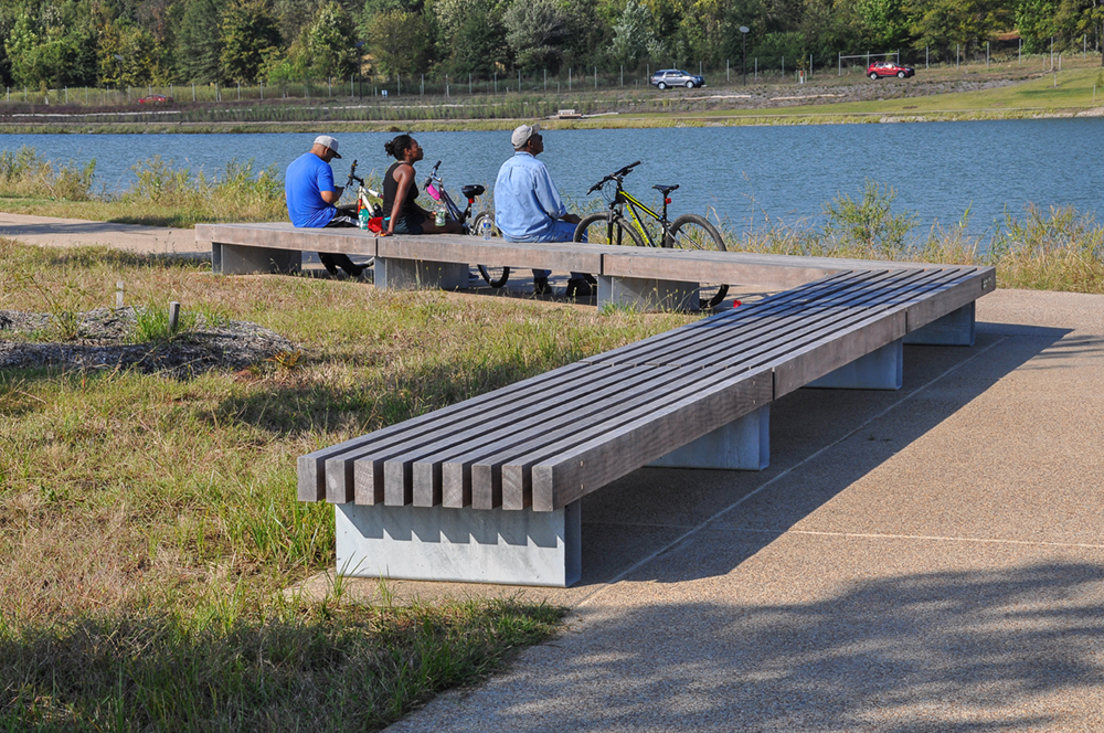 R&R 9 Bench in Shelby Farms by Streetlife