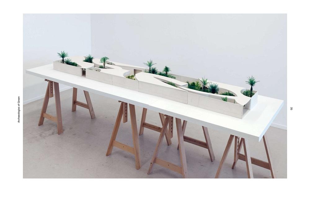 Spread uit het boek, Archeologies of Green, model Bahrein Paviljoen Expo