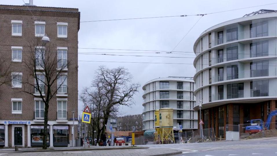 Sociale woningen en het nieuwe Rhapsody gebouw