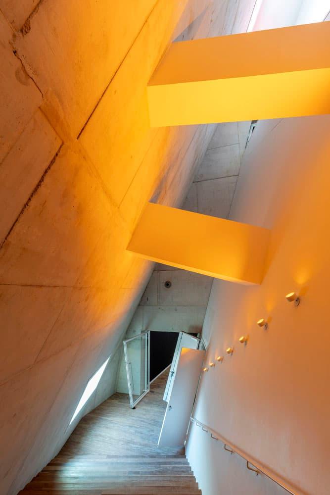 oostelijk trappenhuis Forum Groningen