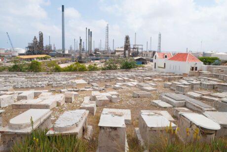 Beth Haim Graveyard Curaçao, foto iStock.com/CircleEyes