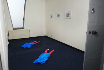 Zwillingstochter_1+2, Tote Räume, West Den Haag / Gregor Schneider/