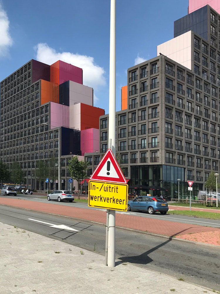 Our Domain, Amstel 3 Amsterdam / ontwerp OZ